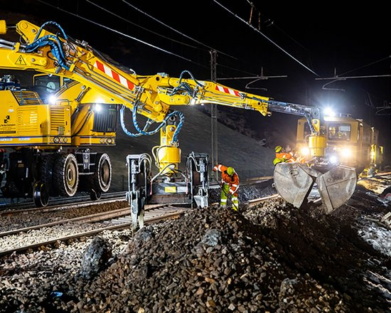 Baustelle Eisackunterquerung: Verlegung der Eisenbahngleise der Bestandsstrecke abgeschlossen