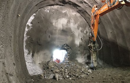 Breakthrough of the connection tunnel that underpasses the Isarco river