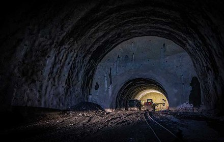 Starterkaverne im Haupttunnel