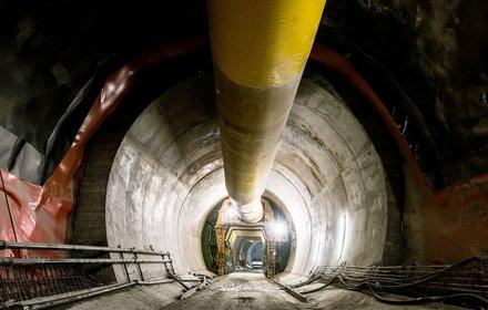 Sottoattraversamento Isarco - Preparazione del rivestimento definitivo nella galleria di interconnessione