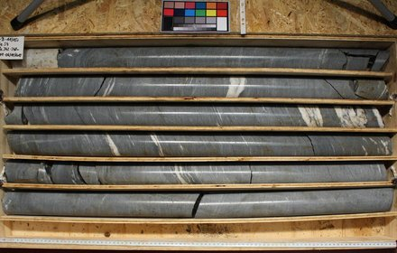 Drilling cores
