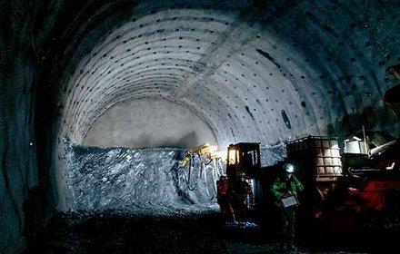 Neue Österreichische Tunnelbaumethode: Kalotte-Strosse-Sohle