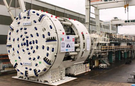 """TBM """"Virginia"""" for the excavation of one of two main tubes in northward direction"""