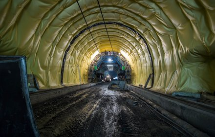 Lining of the Padaster tunnel with insulating film