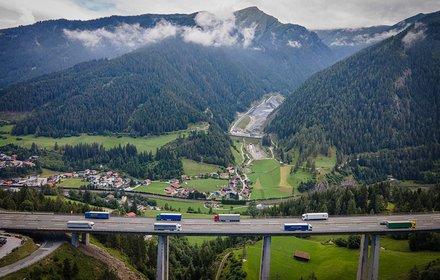 Veduta dall'Autostrada del Brennero A13 in Padastertal